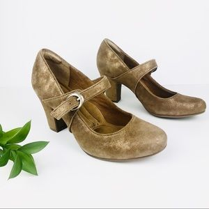 Sofft Rich Gold Leather Mary Jane Pumps Miranda